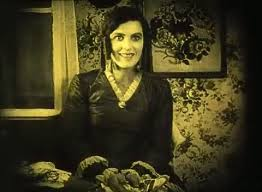 Greta Schroder in Nosferatu.